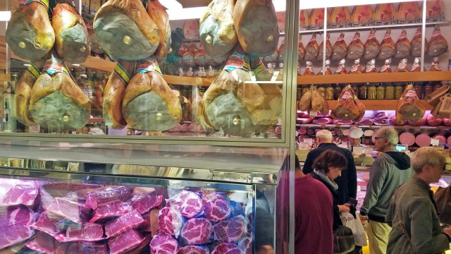 cured meats in Bologna @travelingintandem