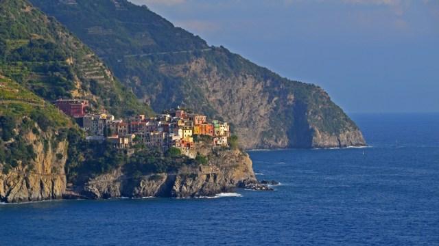 Corniglia, Cinque Terre @travelingintandem