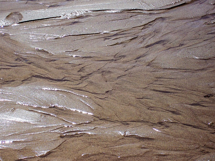 Water of sand = cool visuals!