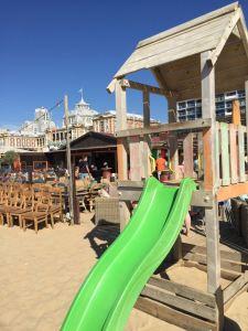 Essen am Strand von Scheveningen