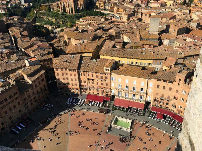 piazza del campo siena's public square
