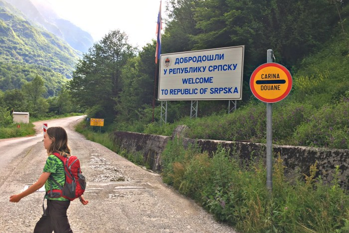crossing the border into bosnia