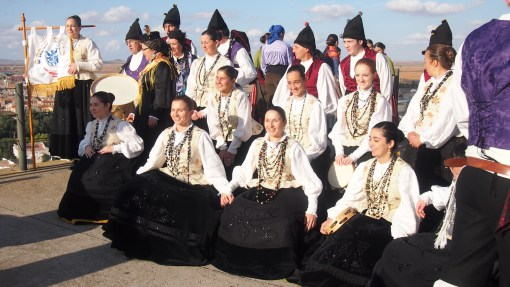Dance group from Galicia in the northern part of Spain.