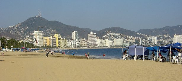 One of Acapulco's beaches. Photo: TravelingReporter.com