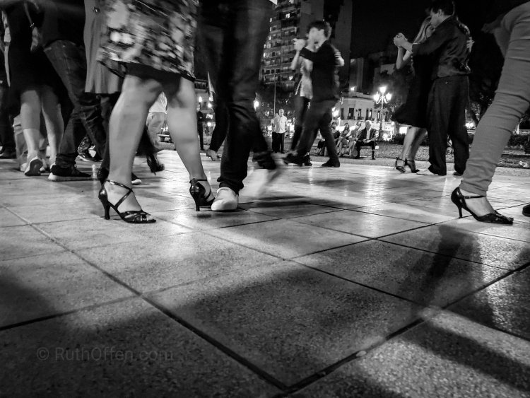 tango foto courtesy Ruthoffen.com