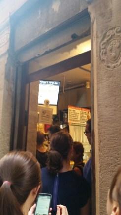 line at Dal Moros pasta