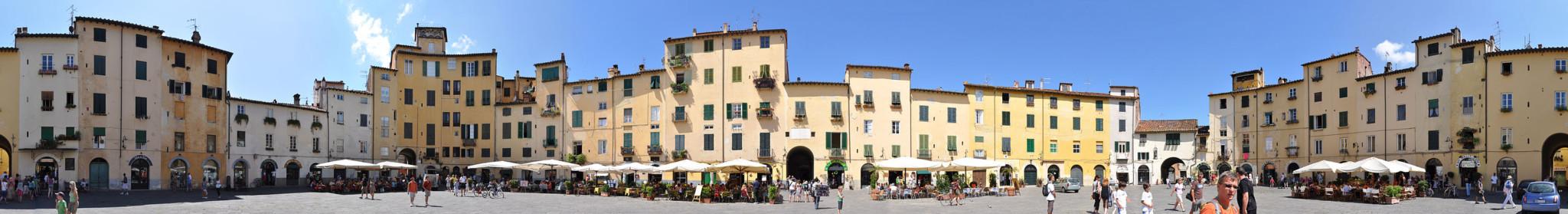piazza_anfiteatro_lucca_360