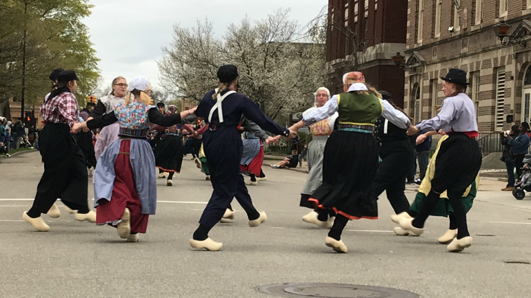 Tulip Time for families, Dutch Dance