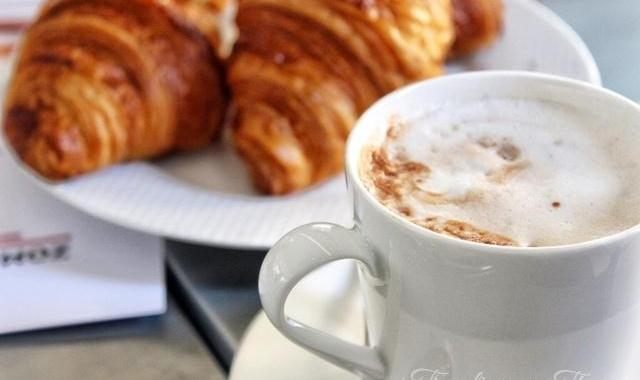 La Petite Table Dbayeh Breakfast Croissant Hot chocolate