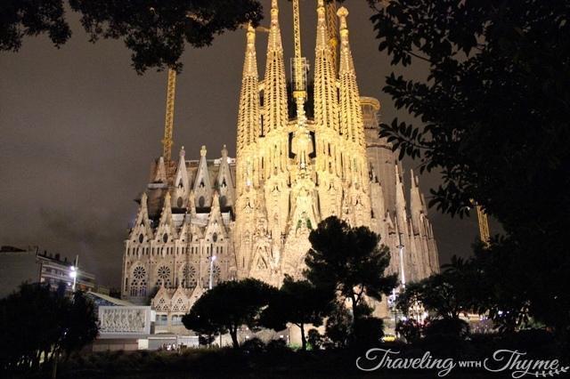 Night La Sagrada Familia