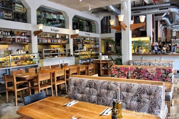 Flax and Kale in Barcelona Interior