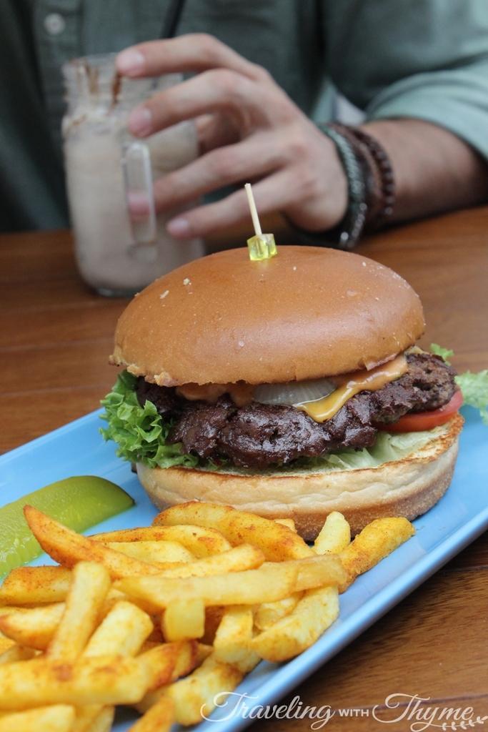 IHOP Lebanon Supreme Cheese Burger