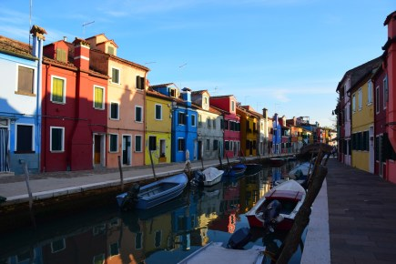 Italy Travel Guide: Burano