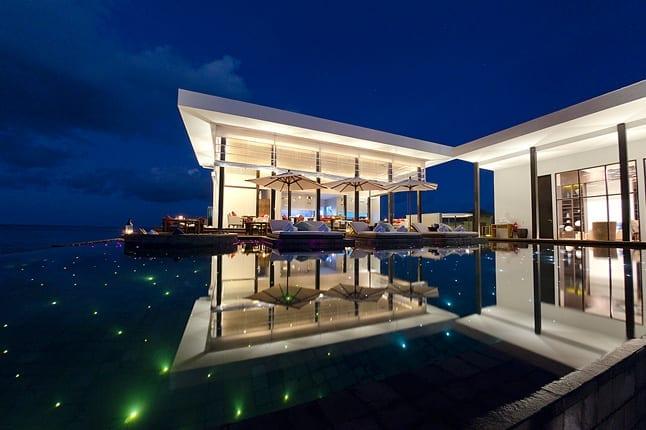 20 Awesome Pools - Jumeirah Dhevanafushi Resort