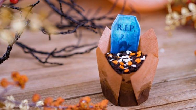 Halloween Time Treats - Graveyard Cupcake