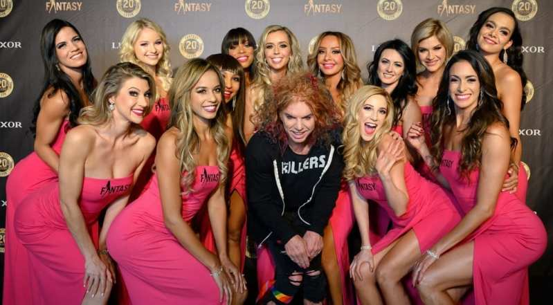 FANTASY Ladies with Carrot Top