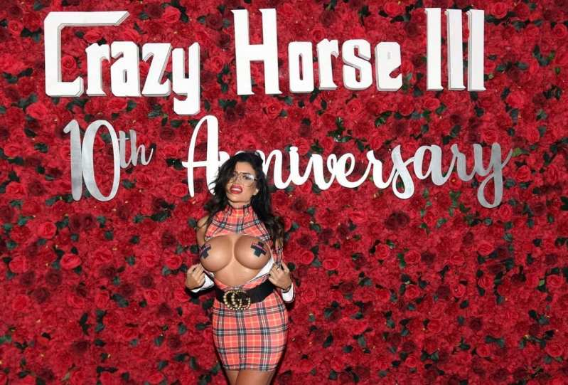 Toochi Kash on Crazy Horse 3 Red Carpet