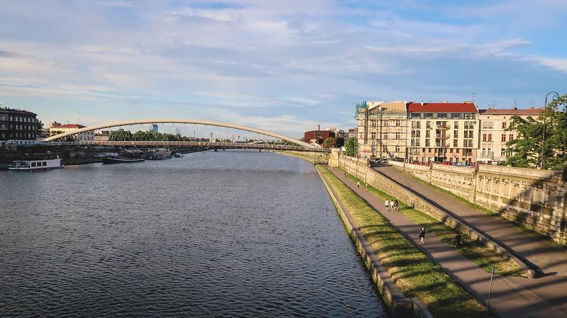 نهر فيستولا في كراكوف و الساحة الرئيسية، كراكوف