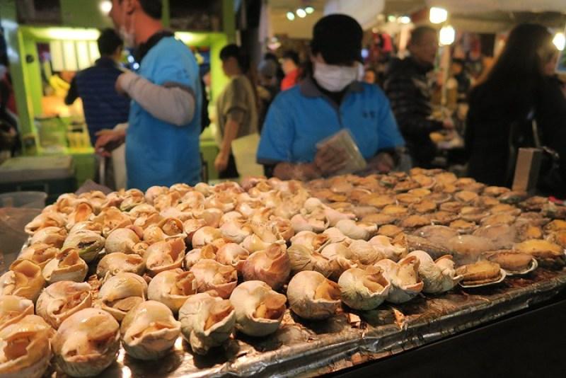السوق الليلي روها في تايبه