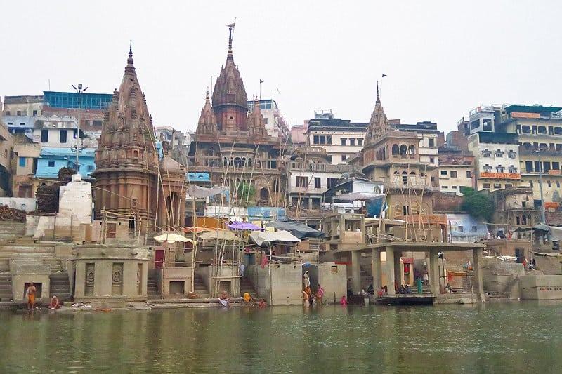 نهر الغانج في مدينة فارانسي الهندية