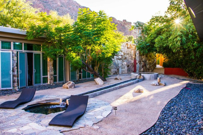 Photo of the Sanctuary on Camelback Spa and Watsu pool