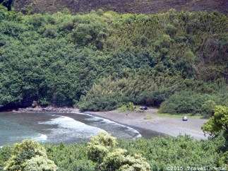 Another of the many beautiful bays along southeastern edge of Maui. This one is near Ke'anae.