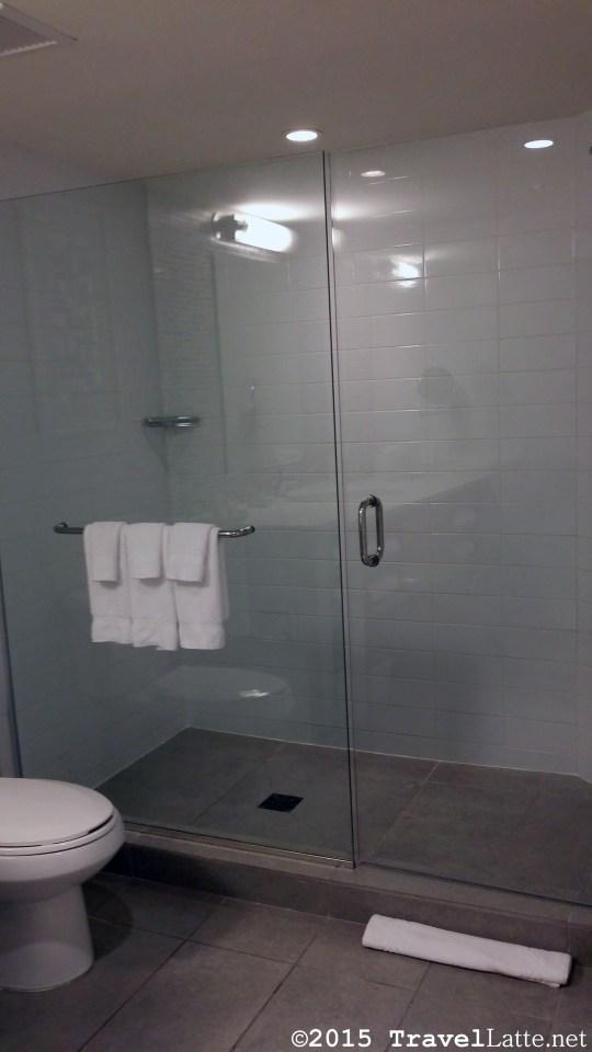 Photo: Ocean Tower en suite bathroom at Courtyard Cadillac Hotel