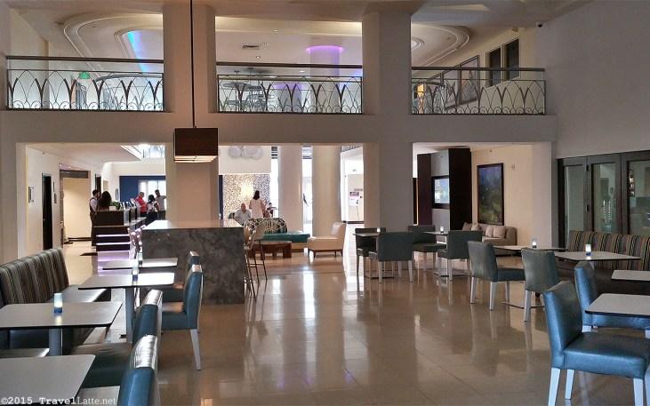 Photo: Courtyard Cadillac Hotel Cadillac Cafe