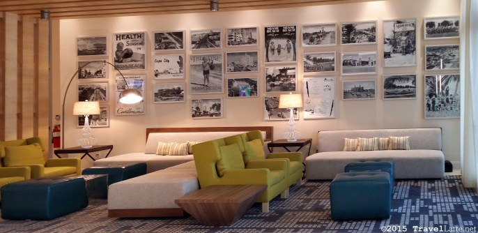 Photo: Lobby seating area at the Courtyard Cadillac Hotel