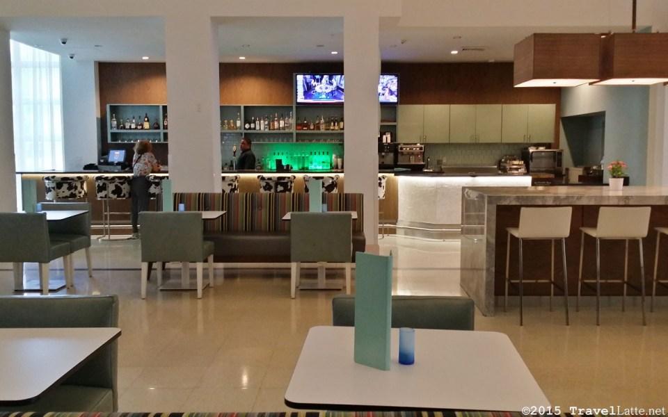 Photo: Courtyard Cadillac Hotel's Lounge De Ville bar.