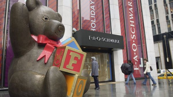 FAO Schwarz in Fun and Free Christmas in New York via @TravelLatte.net