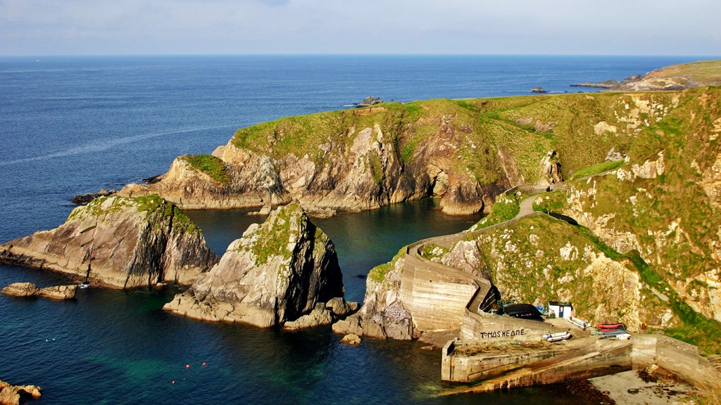 Gems of Ireland's Dingle Peninsula: Dunquin Harbour, via @TravelLatte
