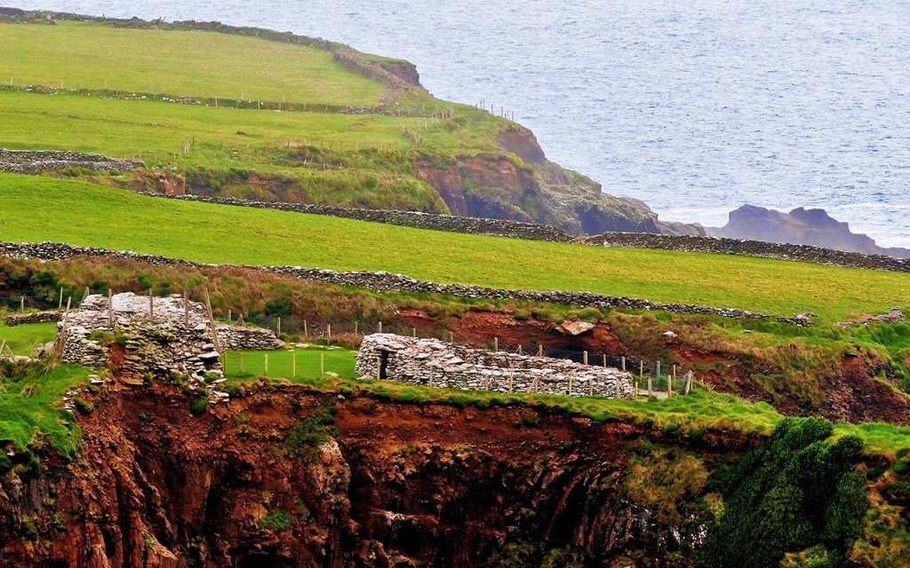 Dunbeg Promontory Fort on Ireland's Scenic Slea Head Drive via @TravelLatte.net