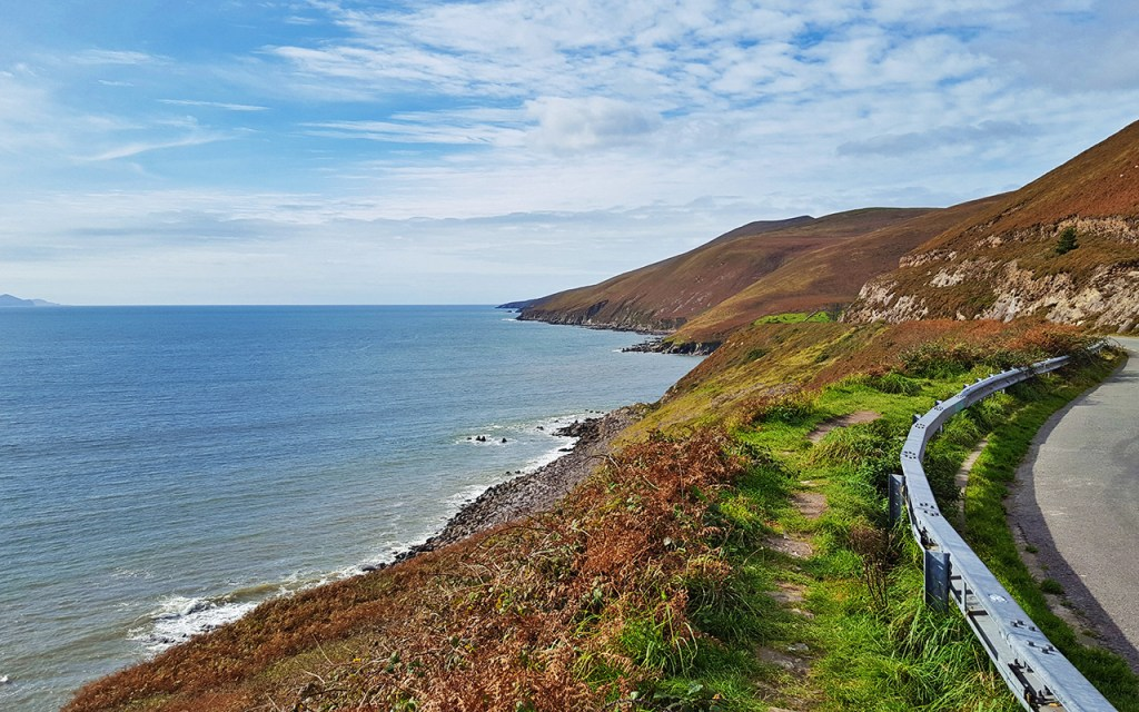 View along the Dingle Peninsula on Ireland's Scenic Slea Head Drive via @TravelLatte.net
