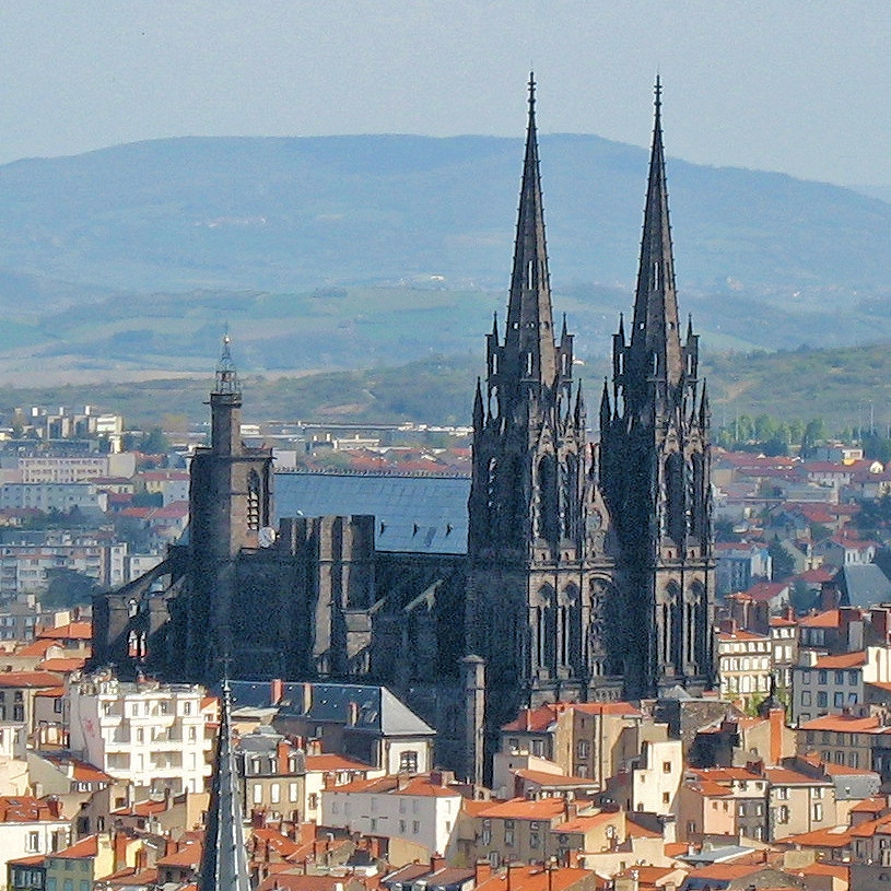 Cathedrale Notre-Dame de Clermont-Ferrand - Three Alternative Notre Dames on Day Trips from Paris on TravelLatte.net