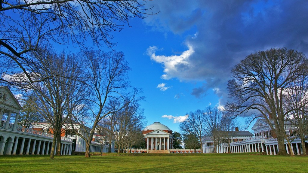 Photo of the University of Virginia Rotunda - Presidents Day Road Trip via @TravelLatte