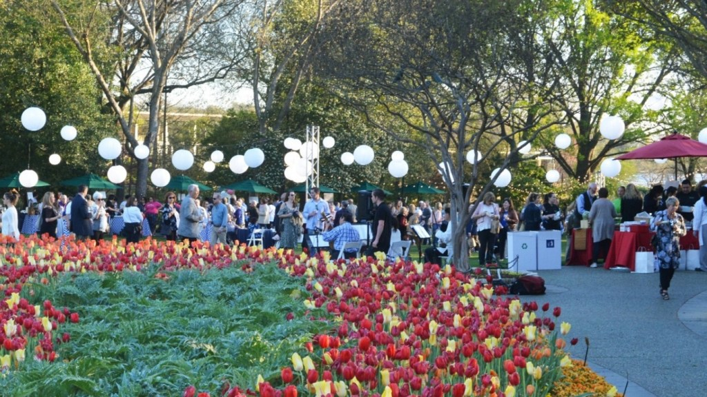 Spring Festivals in Texas - Dallas Arboretum F+W Fest
