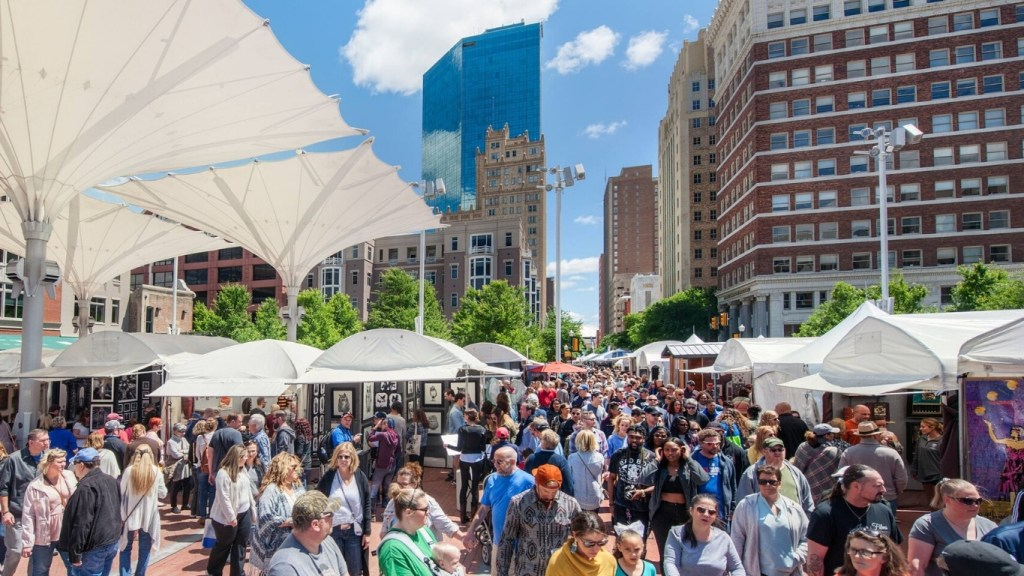 Spring Festivals in Texas - Fort Worth Main Street Art Festival