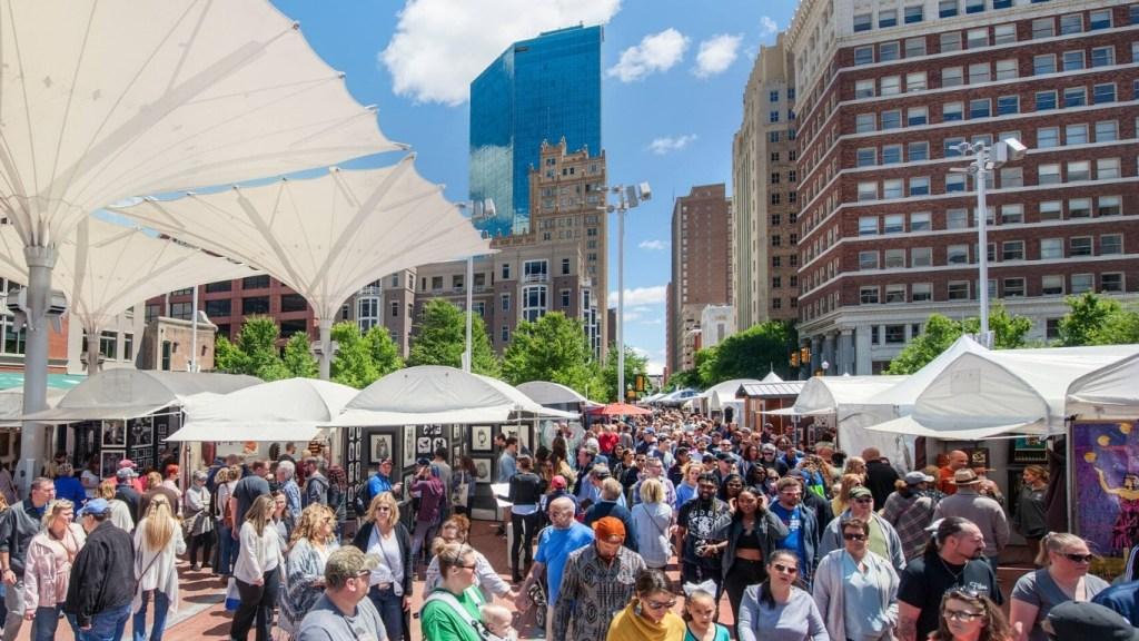 Spring Festivals in Texas - Fort Worth Main Street Art Festival