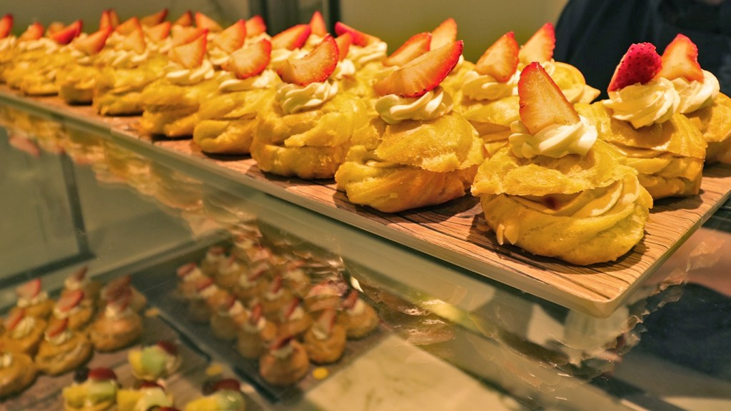 TravelLatte - Why We Love to Cruise - Dessert Buffet