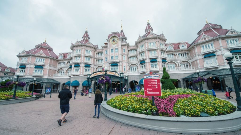 Disney World Reopening - Disneyland Paris Entrance - TravelLatte