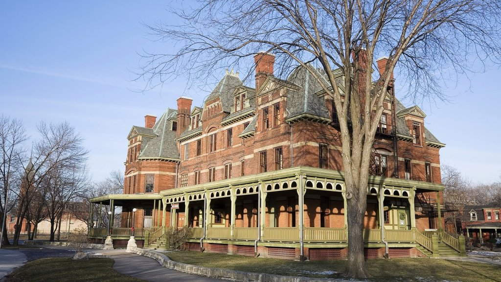 How to Visit America's National Parks - Pullman National Monument - NPS - on TravelLatte