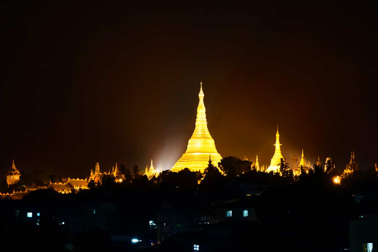 Shwedagon pagoda at night