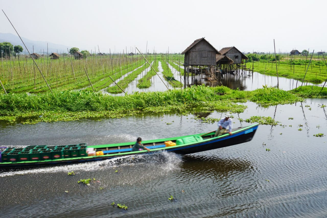Myanmar photos Lake Inle water farm