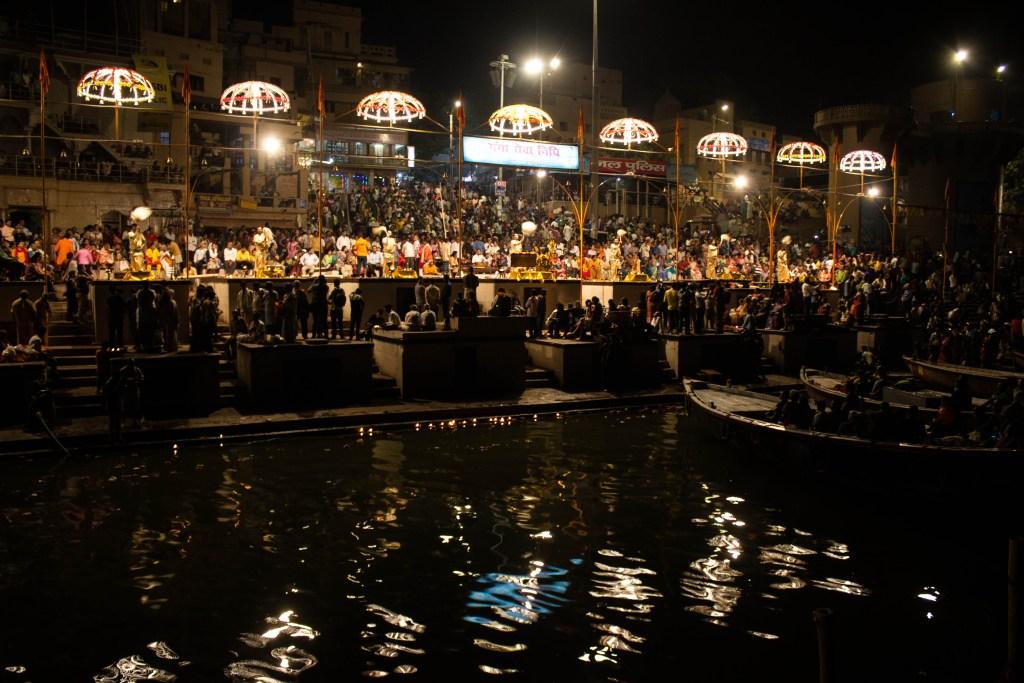Ma-ganga-Aarti-Varanasi-traveller-priyo