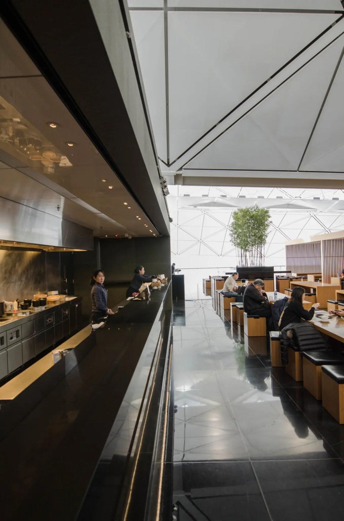 De Wing Business Class Lounge van Cathay Pacific is de beste start in de Cathay Pacific Business Class.