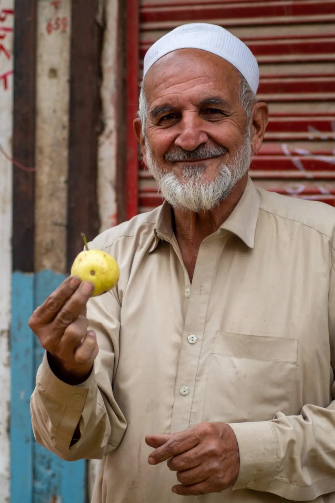 Fruitverkoper in Peshawar