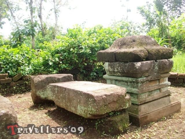 Menelusuri Situs Peninggalan Sejarah di Hutan Brongkos 9