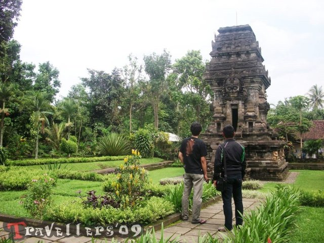 travellers in candi kidal
