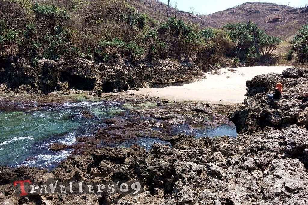 Pantai Wedhen Ciut Sumberpucung, Jelajah Santai Blitar Selatan 1